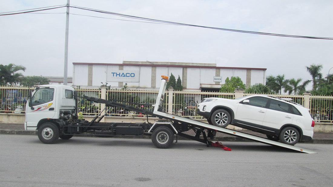 xe-cuu-ho kéo xe đi đăng kiểm